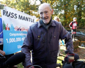 British 82-year-old cyclist marks a million miles in the saddle