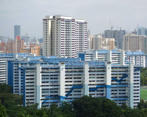 Can a Singaporean married to a Chinese national apply for a four-room flat?