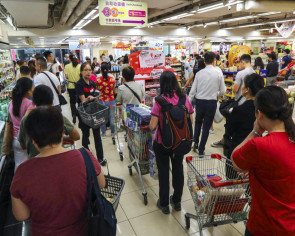 Hong Kong shoppers panic-buy as city struggles to cope with protest chaos