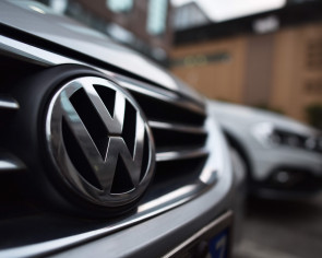Volkswagen to recall 4.86m cars in China over faulty airbags