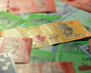 Mahathir sees fair value of ringgit at 3.8: Bloomberg