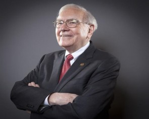 3 powerful lessons from Warren Buffett, an investing guru who just turned 90
