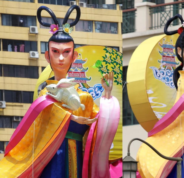 Chang'e lantern in Chinatown gets 'plastic surgery' after complaints