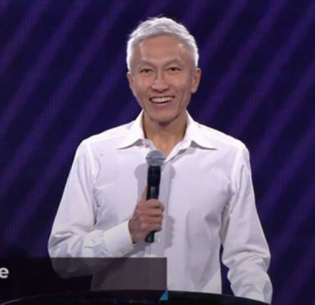 City Harvest founder Kong Hee makes his first appearance in church since release from jail