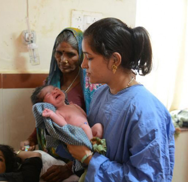 Indian infant deaths high but falling steadily