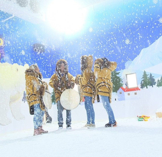 Experience real snow at Plaza Singapura - and other free activities in Singapore to check out this weekend