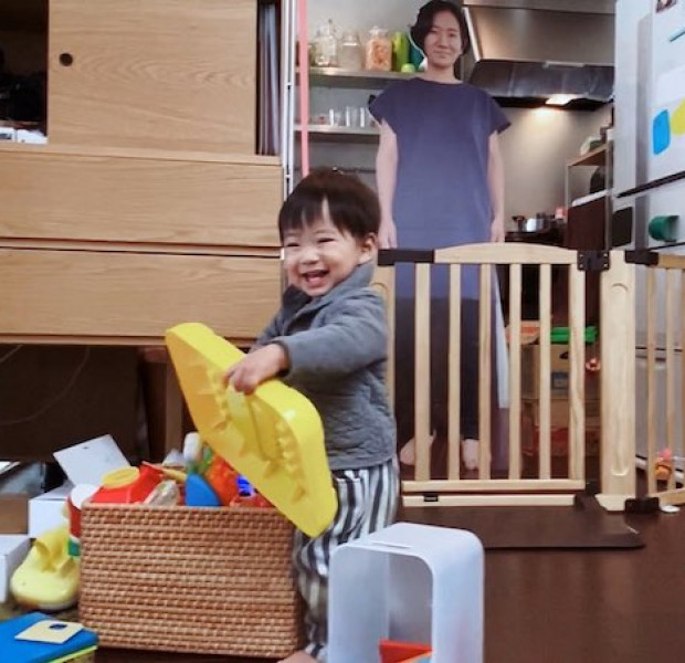 No joke: Japanese mum soothes clingy child with life-sized cut-out
