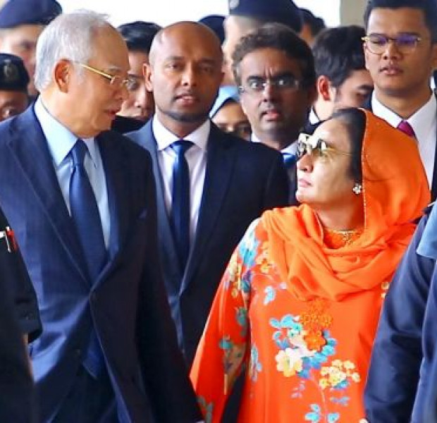 Najib spent S$152,000 for a luxury watch as a birthday gift to Rosmah