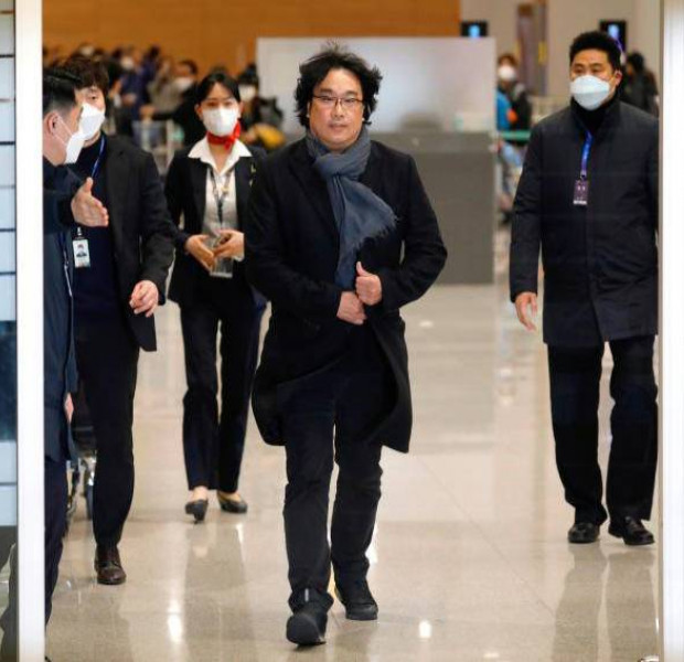 Parasite director Bong Joon-ho gets hero's welcome in South Korea