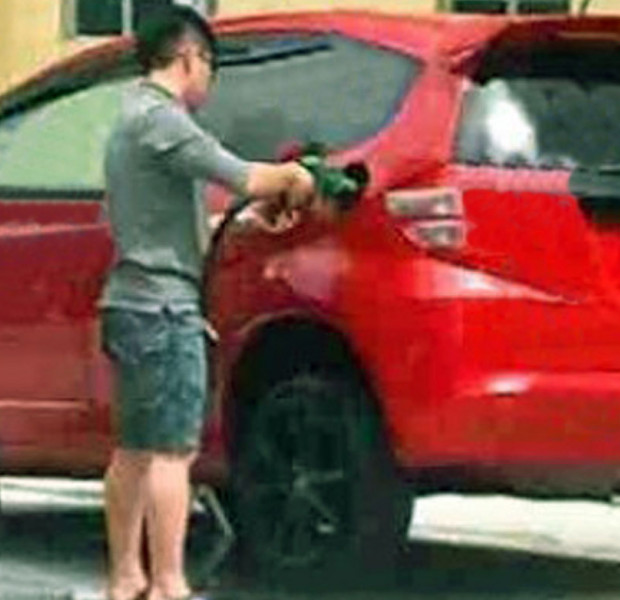 Mechanics say tilting car to fill more petrol can be dangerous