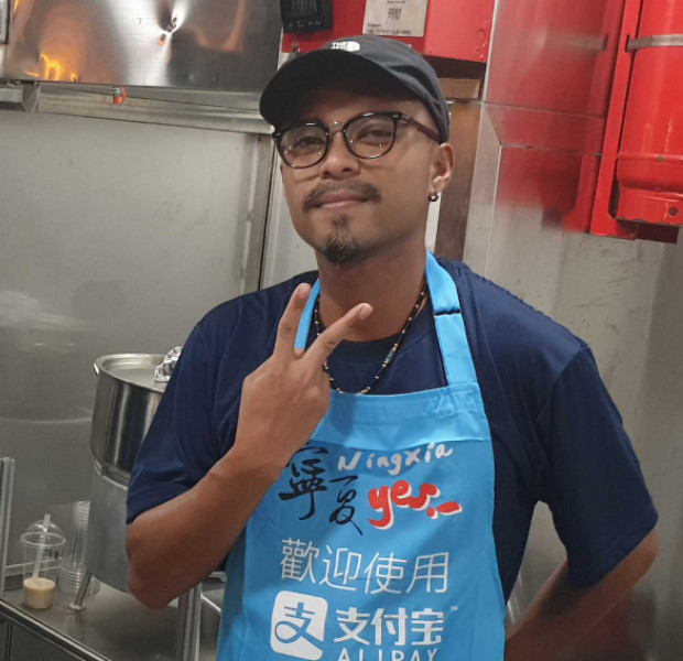 He's not Malay: Customers surprised vendor at Singapore's Ningxia Night Market speaks fluent Mandarin