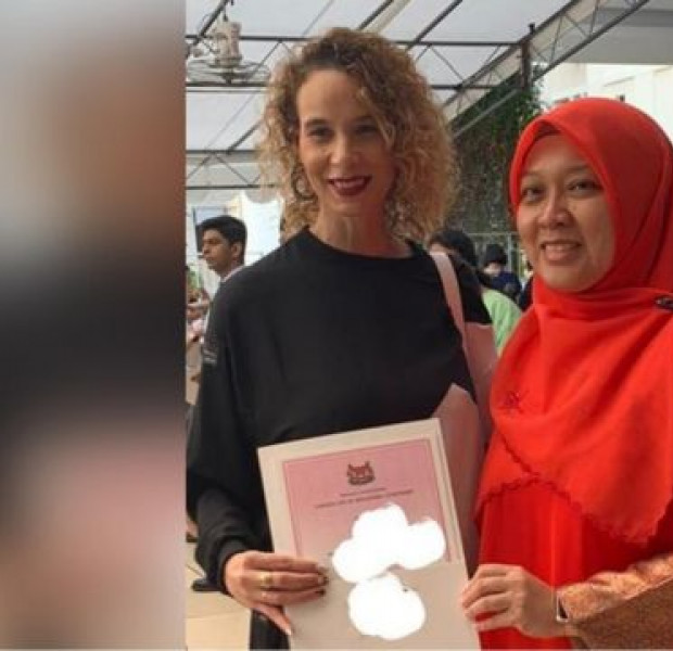 Wendy Jacobs, wife of football icon Fandi Ahmad, takes up Singapore citizenship