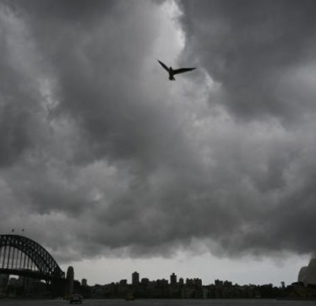Weather 'merry-go-round' poses new risks for fire-ravaged Australia