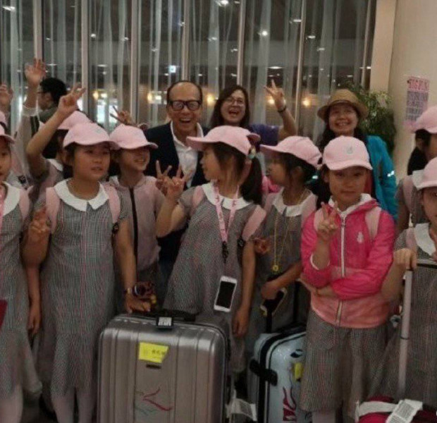 Billionaire Li Ka-shing pays for Chinese kids' dance trip after chance meeting at airport
