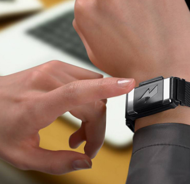 This shock bracelet wants to cure you of your junk food craving