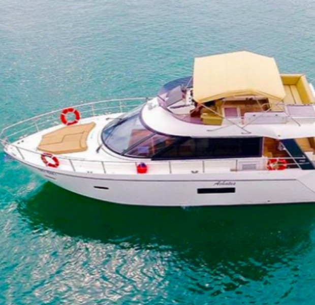 Yacht rental in Singapore: How much does it cost to have a yacht party?