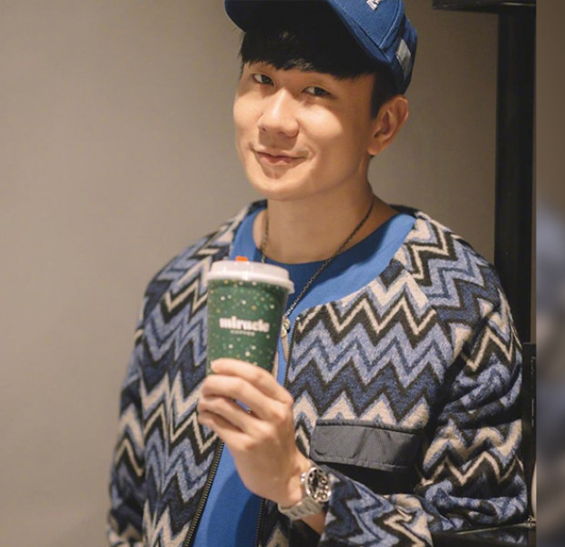 JJ Lin opens coffee shop in Shanghai, fans queue 14 hours to be one of the first to get a cuppa