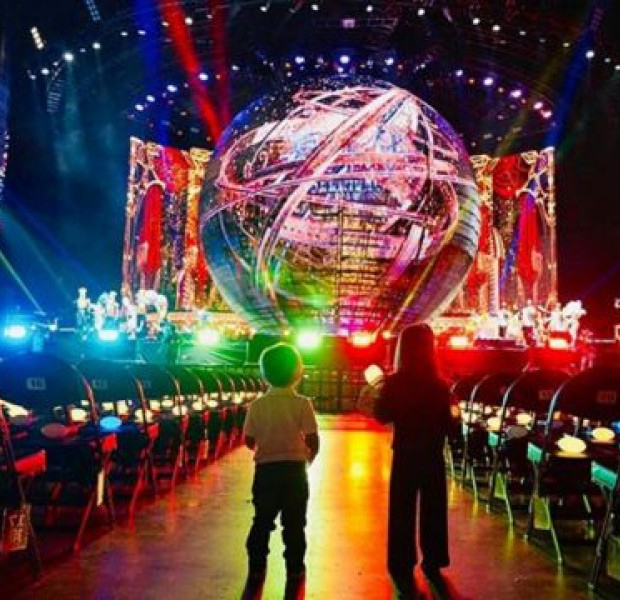 Can't see him on stage? Jay Chou holds concert for just his 2 children in Shanghai arena