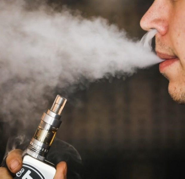 Vapes more effective to quit smoking than gum or patch, review finds