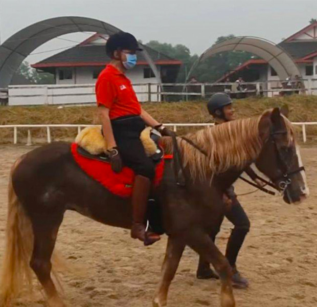 Mahathir goes horse riding as morning drizzle partially clears air in Klang Valley