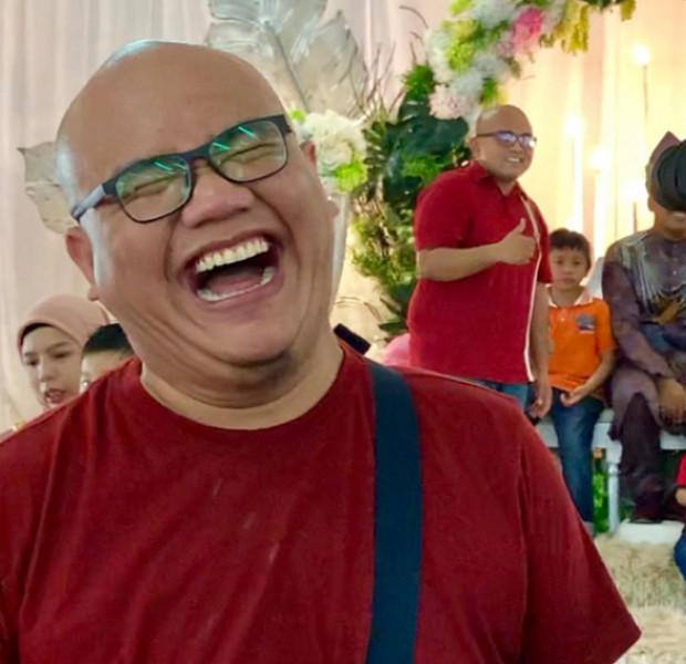 No joke: Malaysian man meets doppelganger at wedding ceremony