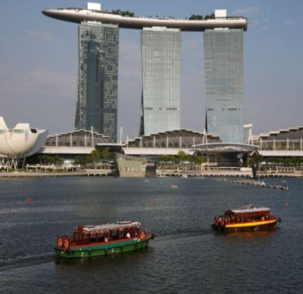 Singapore considers electric harbour boats to cut carbon emissions
