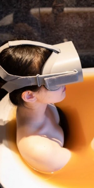 Japan's onsen provide virtual reality antidote to lockdown blues