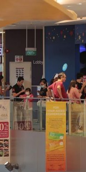 Singaporeans are out and about before new coronavirus measures kick in