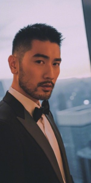 Newly emerged video footages of Godfrey Gao's collapse sparks criticism of unprofessional first-aid