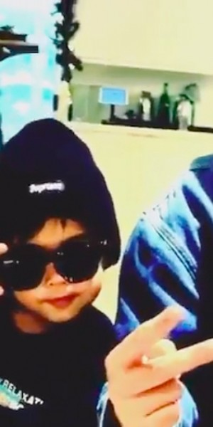 Hannah Quinlivan posts video of son posing and asking daddy Jay Chou to follow suit, netizens melt