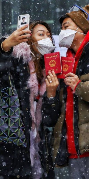 Masks, goggles and alcohol wipes become hot Valentine's Day gifts in China