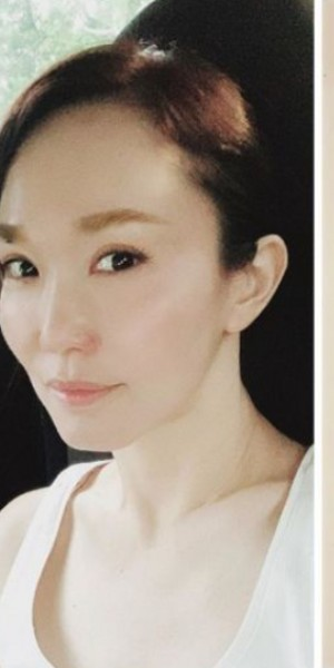 Actress Fann Wong shares message scribbled by her father while he was in the Intensive Care Unit