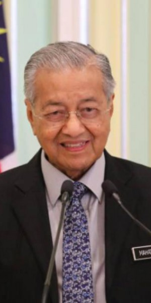 Mahathir Mohamad has resigned. Malaysia's next leader is... Mahathir?
