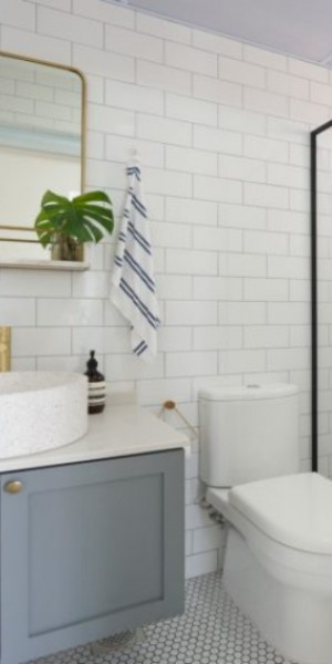 12 modern HDB toilet design ideas you can copy to make your bathroom look bigger