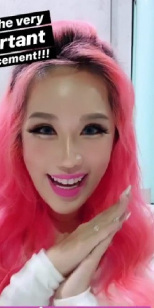 Singapore influencers Xiaxue, Pxdkitty go head to head in battle of the magnetic lashes