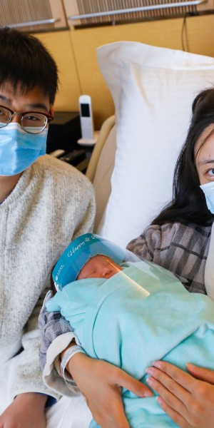 Hong Kong's first baby of new year born at stroke of midnight – just in time for coldest January 1 since 2005