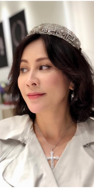 Carina Lau owns diamond tiara said to cost $1.7m; shares even husband Tony Leung doesn't know the price