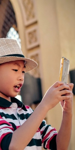 Singaporean children at higher risk of speech and language delays due to excessive screen time