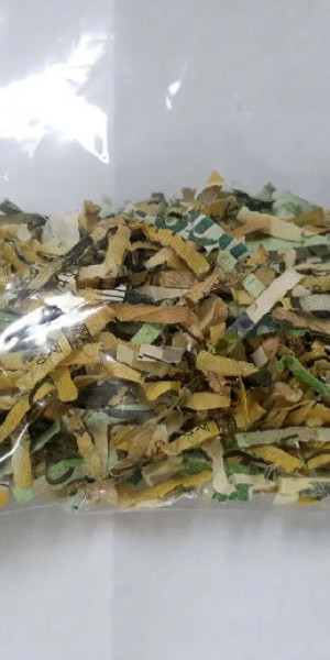 Korean woman pieces together $600 in shredded banknotes, wins respect of the internet