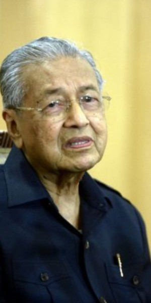 Anwar cannot be PM because unpopular with Malays: Mahathir