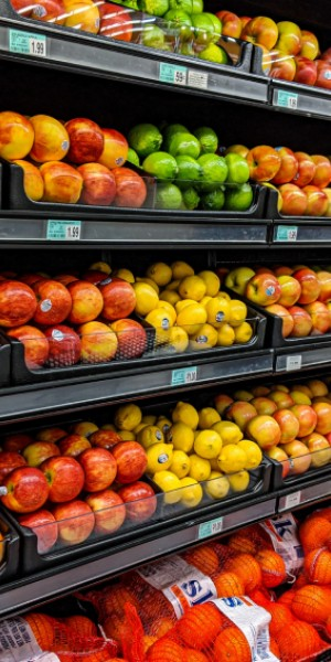 10 ways to save money when grocery shopping