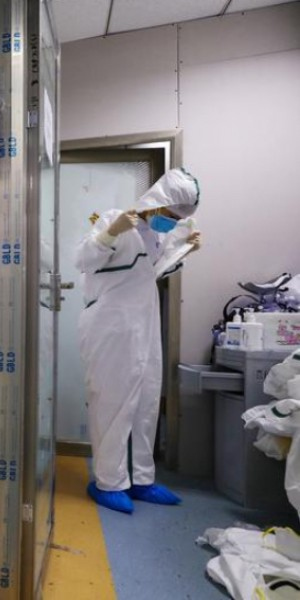 Wuhan's women health workers battled depression and fear at height of outbreak, study shows