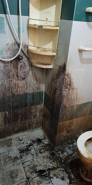 House rented for 9 years in Bangkok looks like it's never cleaned
