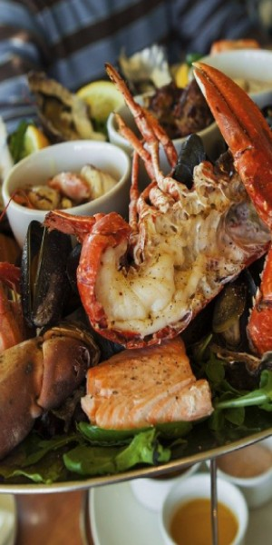 9 most worth-it seafood buffets in Singapore under $100 per pax (2020)