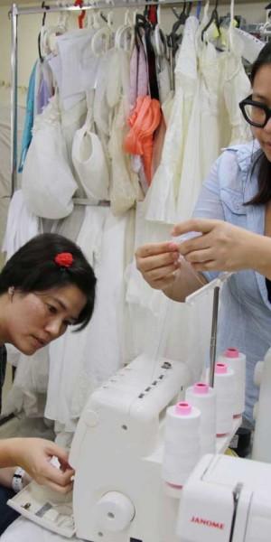 'Angel gowns' for grieving parents who lost their child young