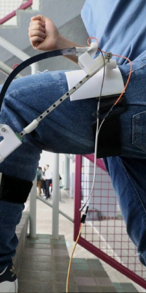 Researchers develop a device that generates power as you walk
