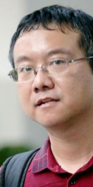 Ex-NUS senior lecturer jailed 14 weeks for rubbing against undergrad on campus bus