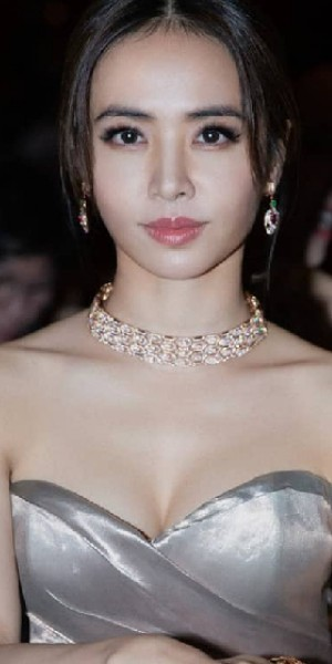 Jolin Tsai nearly bares all at birthday bash