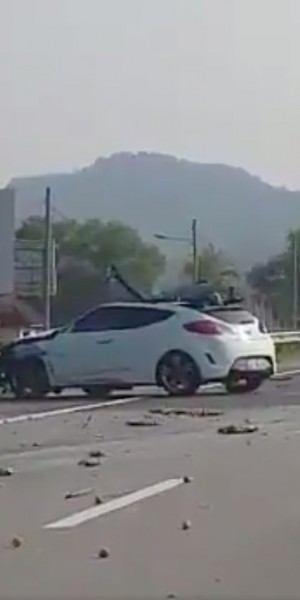 Malaysian driver slammed for not honking at fellow driver who fell asleep at the wheel