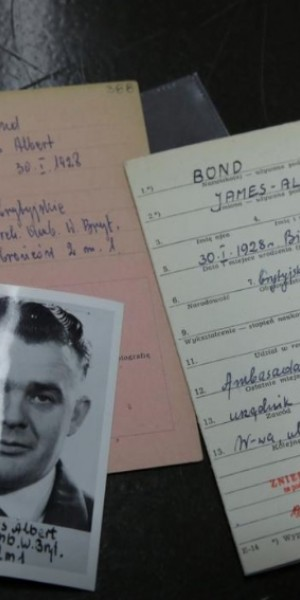 The name's Bond, seriously: 007's namesake found in Polish Cold War archives